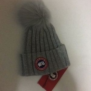 Canada Goose Knit Hat Grey Authentic Hat